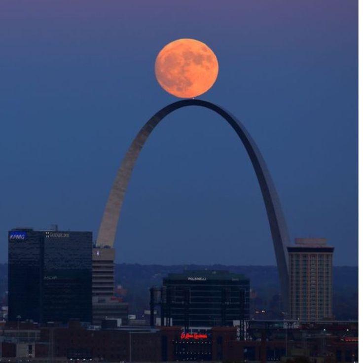 Nov. 13, 2016: Super Moon, The Arch, St. Louis, Missouri