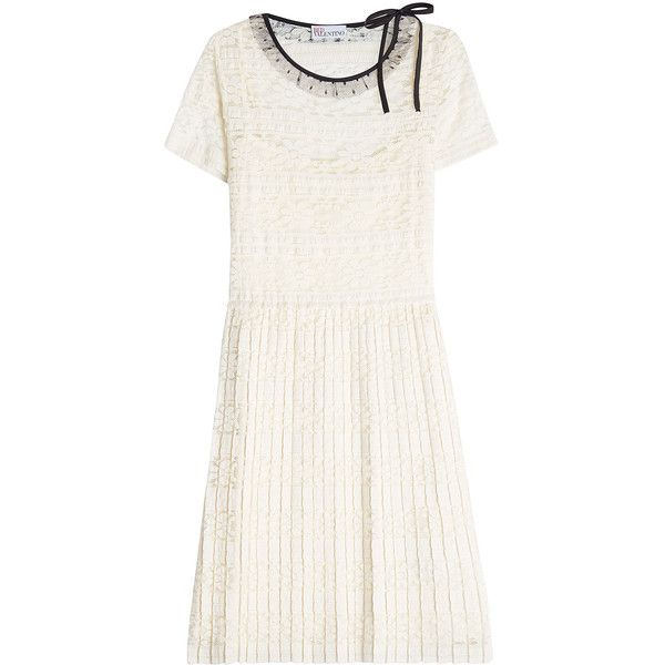 RED Valentino Lace Dress (12,190 MXN) ❤ liked on Polyvore featuring dresses, white, lace cocktail dresses, red valentino dress, white cocktail dress, lacy white dress and white dress