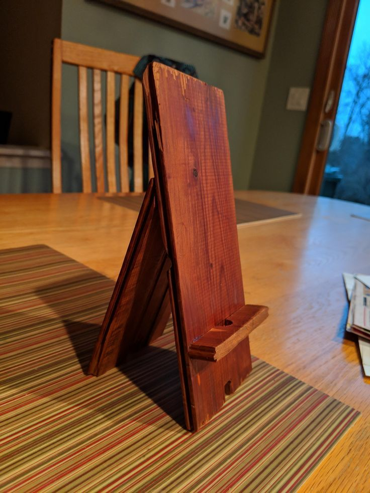 DIY Woodworking Ideas First Try DIY Pixel 3 XL Phone Stand Click to see the DIY for this and projects like it! #DIY #woodworking #project