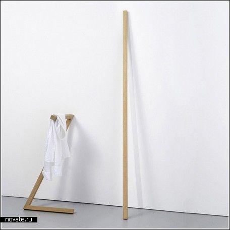 Вешалка превращается в…палку  Может ли быть полезной простая деревянная палка? Но зря вы думаете, что эта палка не обладает никакими функциями. Еще как обладает!    одежда, вешалки