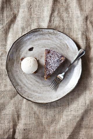 Secret Recipe: Lumberjack Cake from Frances   7x7