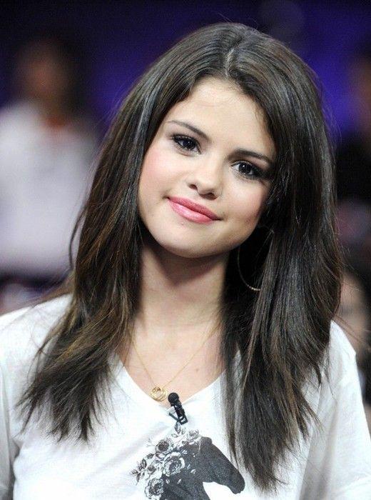 Selena Gomez Hairstyles: Long Straight Hair