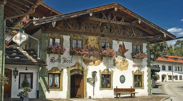 Lüftelmalerei im Ortskern von Wallgau, © Touristinfo Wallgau