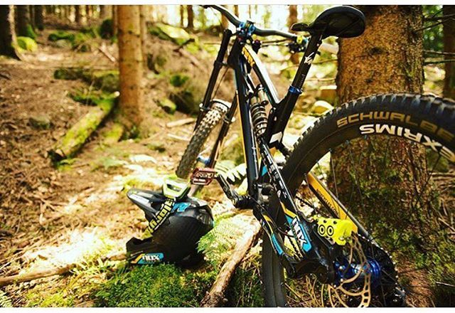 @magura_official MT7 Raceline ✌️ . #mtb#downhill#nox#magura#mt7#hope#alexrims#schwalbe#bike#awesome#followme#