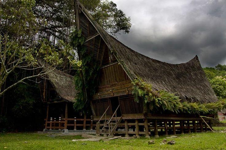 TOBA BATAK HOUSE