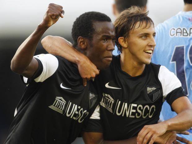 O Málaga estreou com vitória no Campeonato Espanhol. Com um gol de Fabrice Olinga, de apenas 16 anos, a equipe derrotou o Celta por 1 a 0. Com este gol, Fabrice quebrou o recorde de jogador mais novo a marcar no Espanhol  Foto: Reuters