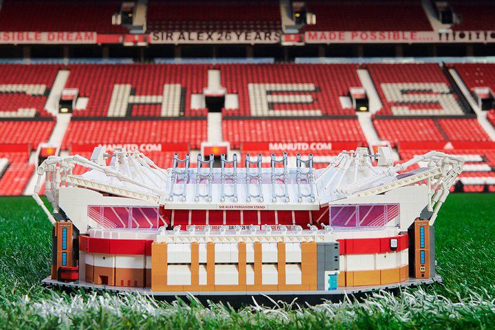 Lego Crafts 3 898 Piece Model Of Manchester United S Old Trafford Stadium In 2020 Manchester United Old Trafford Manchester United Old Trafford