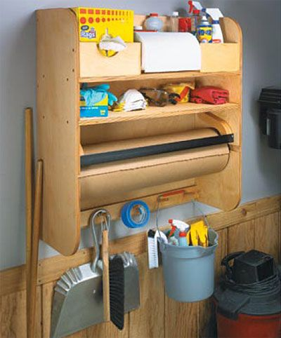 Clean-Up Center Woodworking Plan  paper for glue ups!
