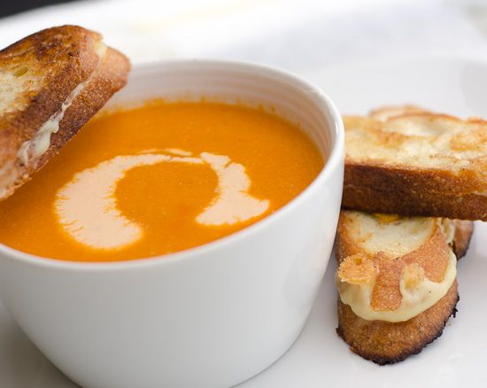 Warm and Spicy Cashew and Tomato Soup