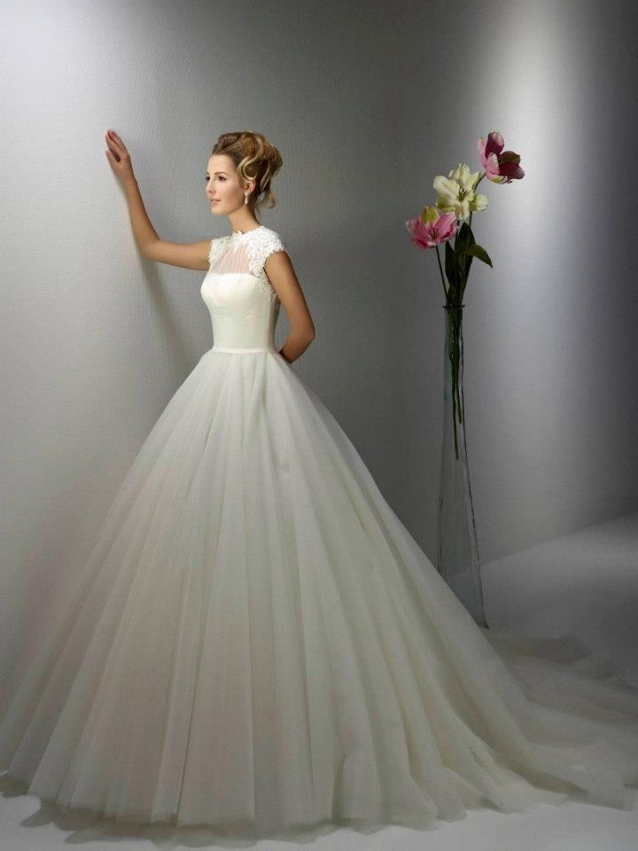 138 best unsere Brautmode images on Pinterest | Hochzeitskleider ...