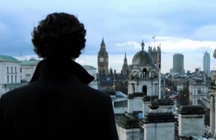 """BBC mostra prévia de """"Sherlock""""! Fãs surtam com #sherlocklives!"""