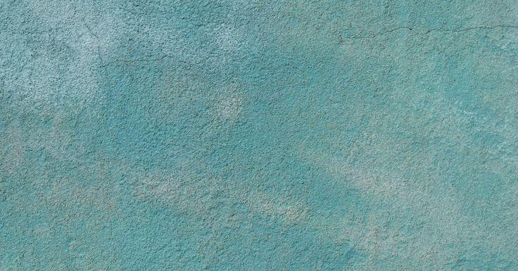 Como usar a cor azul-petróleo na decoração. Um tom evasivo como o azul-petróleo não vem à mente quando se pensa em escolher uma cor para a decoração da casa. Essa cor verde azulada varia entre a ousadia e a vivacidade, o que fornece aos decoradores opções para integrá-la ao design do ambiente. De paredes a peças de mobília e tudo mais que o ambiente contiver, o azul-petróleo mostra possuir ...