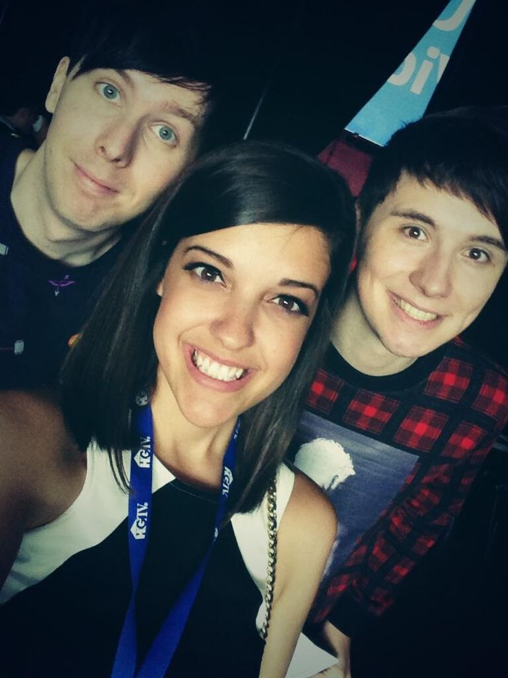 Cat: About to go on the main stage with @danisnotonfire and @AmazingPhil at @vidcon!
