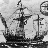 Italský mořeplavec Kryštof Kolumbus (1451 - 1506) objevitel Ameriky - Na snímku vlajková loď Santa Maria ,s níž podnikl objevitelskou cestu k americkým břehům. Historizující kresba je nového data,přesnou podobu lodi není dnes již možné určit. V pravém horním rohu je kresba kompasu ze 14. století .