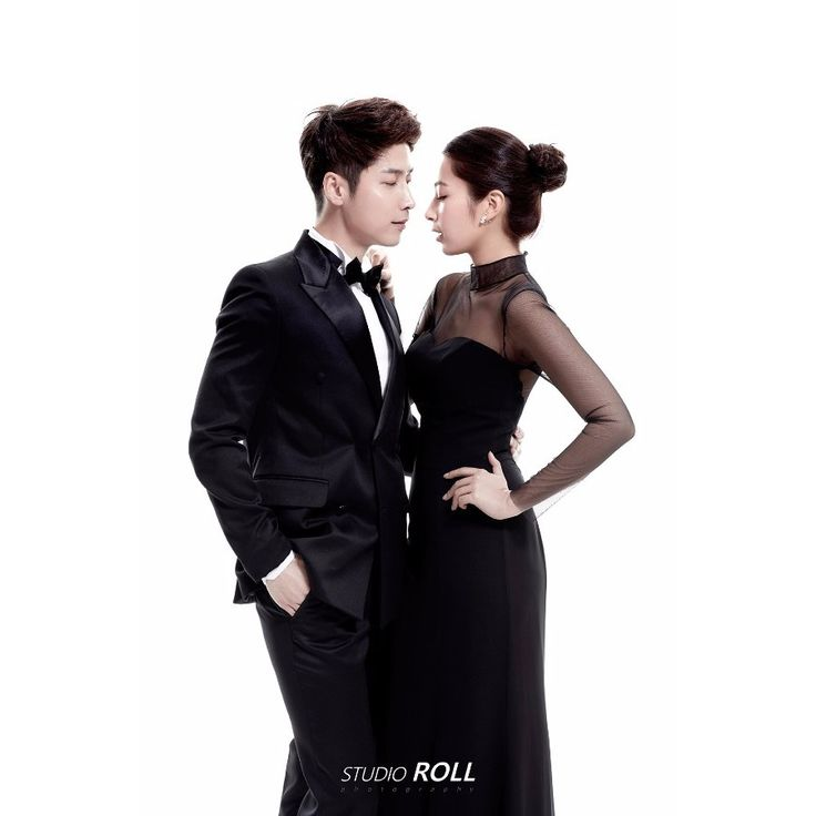 Simple Plain Background Korean Studio Pre-wedding Photoshoot Idea For Couples Who Love Simplicity - Studio Roll,  Black and White, Indoor, Simple, Minimalistic