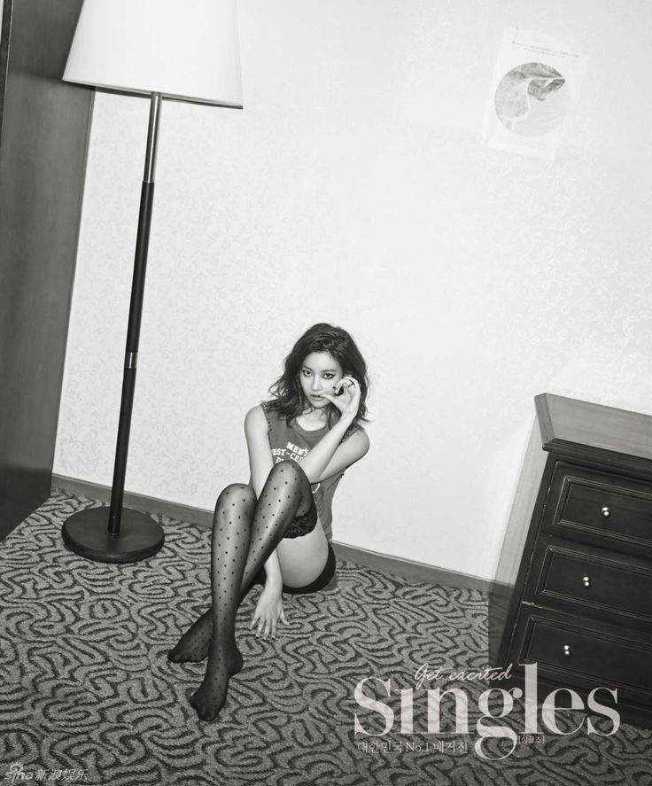 Oh Yeon-seo // Singles Korea // July 2013