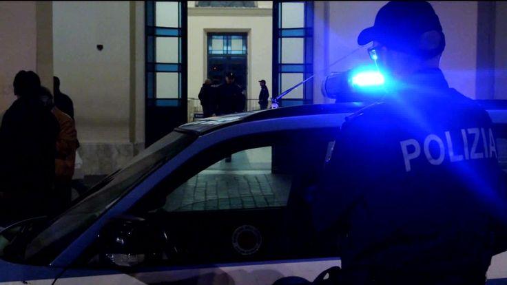 Aggredisce i poliziotti a Fontivegge, tunisino aveva hashish con sé