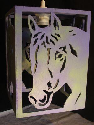 lustre cheval pour chambre d 39 enfant en bois brut peindre soi m me cr ation artisanale les. Black Bedroom Furniture Sets. Home Design Ideas