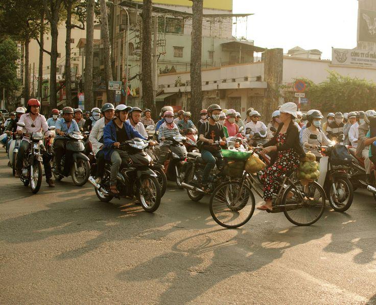 Ladies mit #Mut first - Der #Verkehr in Ho-Chi-Minh-City, #Vietnam