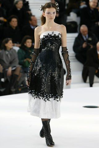 Chanel Spring 2006 Couture Fashion Show - Drielle Valeretto (NATHALIE)