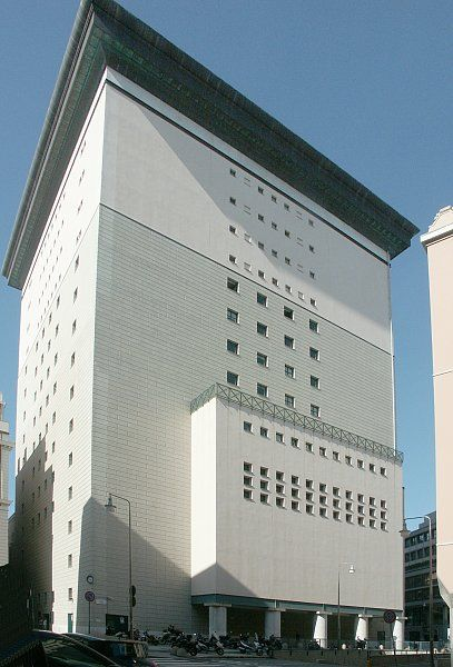 Back of the Teatro Carlo Felice (Milan) by Aldo Rossi, 1983.