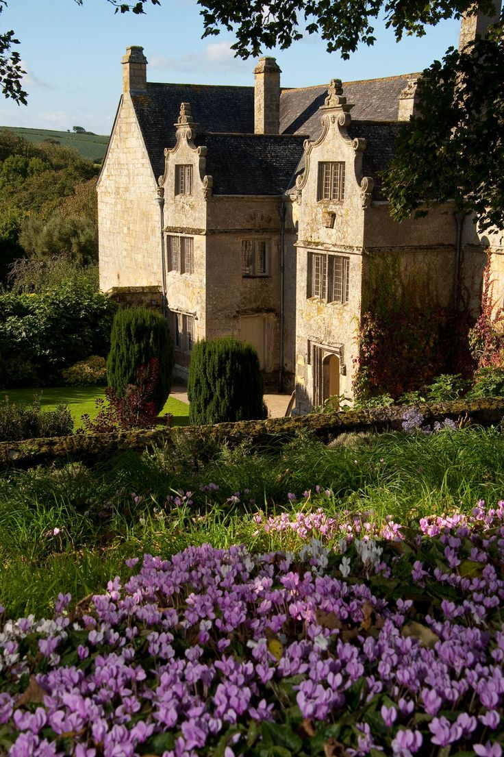 Trerice -  Elizabethan manor house, Kestle Mill nr. Newquay, Cornwall. The building features a main south-east facing range of 'E'-plan abutting a south-west range containing two earlier phases. Phase I consisted of a tower house with low north-west block. Extended early in the 16th c, probably by 'Jack of Tilbury'. Sir John IV Arundell, High Sheriff of Cornwall +father-in-law to Sir Richard Carew, added the main range of the E-plan c. 1570-1573. The house +gardens belong to the National…