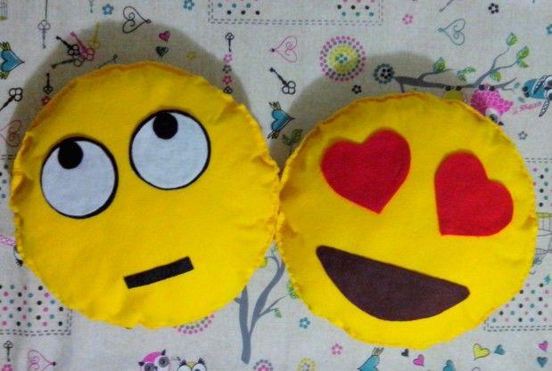 Cuscino emoticon smile in pannolenci