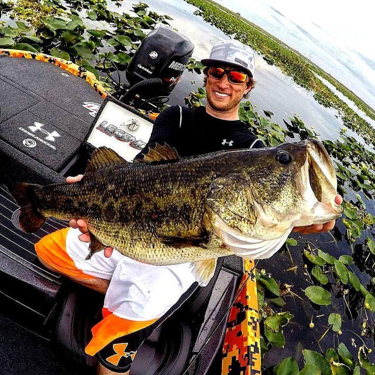 PB Alert!  @fshryock stuck himself a monster Florida greenbass: 11 lbs!!! He caught her punching @yamamoto_fishing Psycho Dad. Congrats Fletch!  #bassarmy#thewaterismystadium #lunker #hawg #bigbass #thetugisthedrug#bassmaster #largemouth #bassin#bassnation #largemouthbass#largemouthbassfishing #bassfishing#fishing #bassproshop #fishinglures #bigfish #catchoftheday #gonefishing #hydrillagorilla