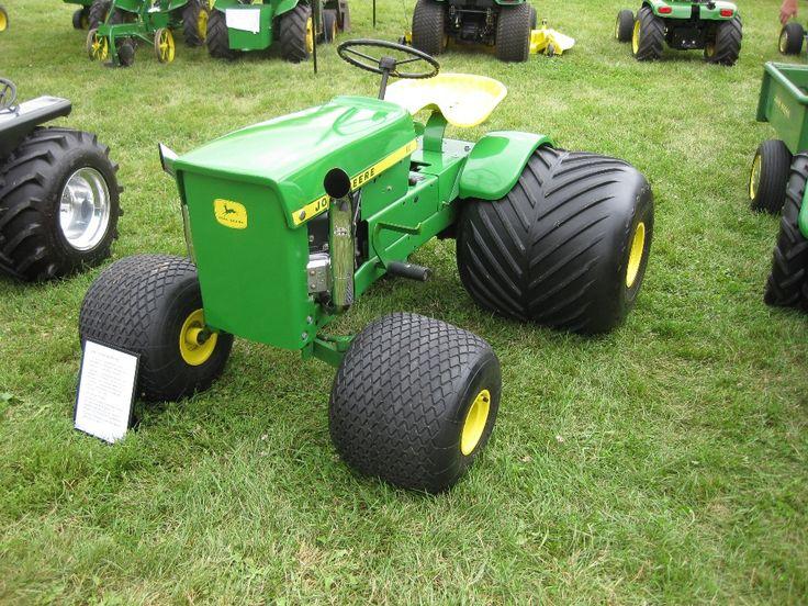John Deere 70 lawn tractor