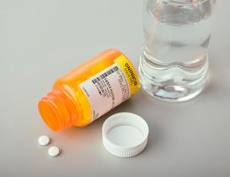 Many adults risk health by mixing alcohol and meds | Samaritan Healthcare