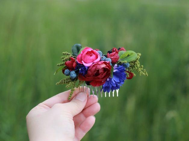 Haarblüten - Blumen Haarkamm, Hochzeit Haarkamm - ein Designerstück von magaela bei DaWanda