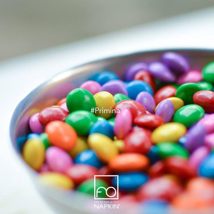 Risate, colori, suoni, profumi, parole: basta questo per far fiorire l'immaginazione.  #Primina #NAPKINFOREVER #MadeinItaly
