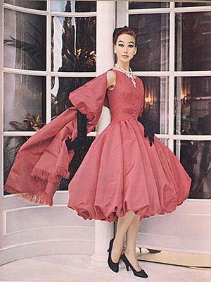 Вечерние платья в стиле 60-годов фото