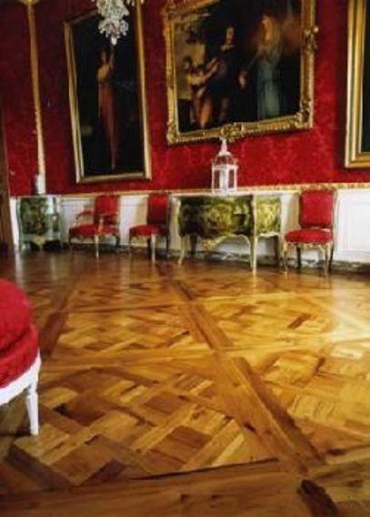 Weddesdon Manor -  La Gloire des panneaux de Parquet de Versailles ornent ici le domaine et fief de la famille Rothschild à Aylesbury, UK