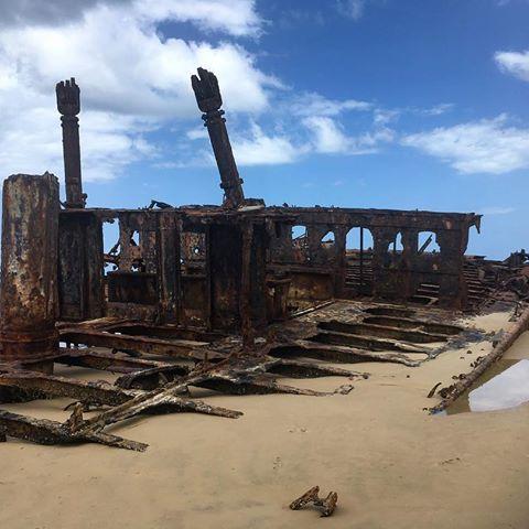 Shipwrecked at Fraser #washedup #shipwreck #mahenoshipwreck #shipwrecked #palaceadventures #seeaustralia #seetheworld #views #scenery #beautifullife #traveller #happytraveller #travelgram #instatravel #igtravel #backpacker #globetrotter