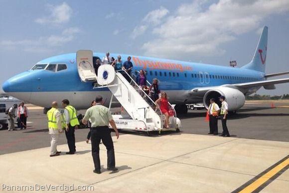 Llegan a Panamá turistas canadienses en vuelo charter al aeropuerto de Río Hato - http://panamadeverdad.com/2014/04/05/llegan-panama-turistas-canadienses-en-vuelo-charter-al-aeropuerto-de-rio-hato/