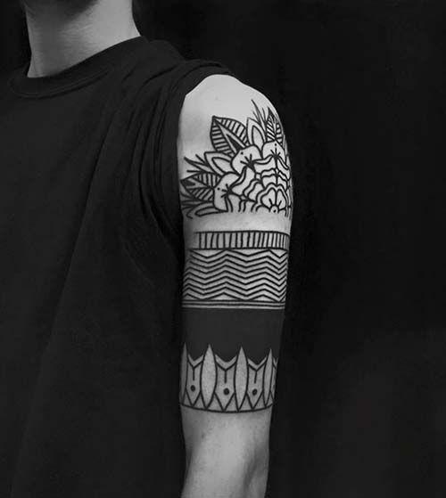 erkek üst kol dövmesi mandala man upper arm tattoo