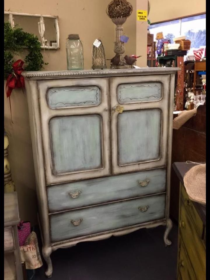 1000 Ideas About Sanding Furniture On Pinterest Refinished Furniture Yellow Distressed