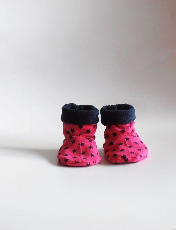 baby slofjes roze met blauwe sterren fleece babyschoentjes