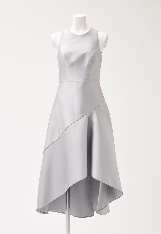 上質なレンタルドレス(東京・表参道)をお探しなら芸能人ご用達のファッションレンタルショップ「マナマナプラス」へ!結婚式2次会ドレスやパーティードレス、一流ブランドドレスまで日本最大級の品揃えでお気に入りのドレスが必ず見つかる!