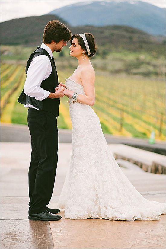 Romantic winery wedding ideas. Captured By: Olivia Leigh Photography #weddingchicks http://www.weddingchicks.com/2014/06/19/oregon-winery-wedding/