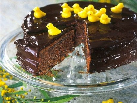 Easter chocolate cake with marzipan baby chicks
