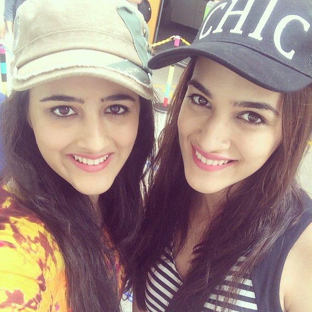 18 Photos Of Kriti Sanon Striking Super Cute Poses With Her Sister! - MissMalini