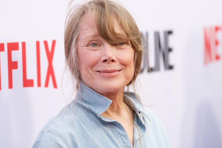 The Original Carrie Joins the Stephen King Anthology Series Castle Rock  http://www.tvguide.com/news/castle-rock-sissy-spacek-jane-levy-casting/?utm_campaign=crowdfire&utm_content=crowdfire&utm_medium=social&utm_source=pinterest