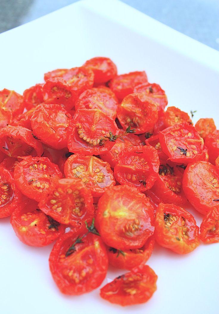 Halfgedroogde tomaatjes kun je maken terwijl je slaapt. Het enige wat je nodig hebt is een hete oven en wat geduld. Bekijk hier het recept.