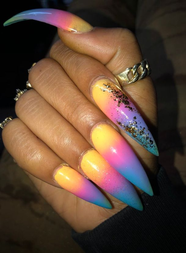 91 best Longest nails in the world!! images on Pinterest | Long ...