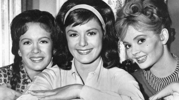 Pat Woodell dies at 71; actress best known for 1960s sitcom 'Petticoat Junction'.  Shown in middle. RIP