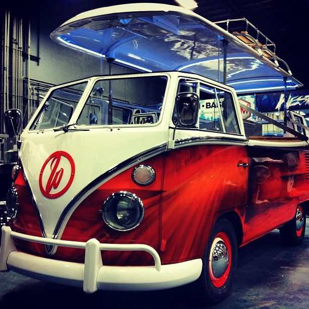 was turned into commercial kitchen - also Bus still drivable! | vintage things | Food vans ...