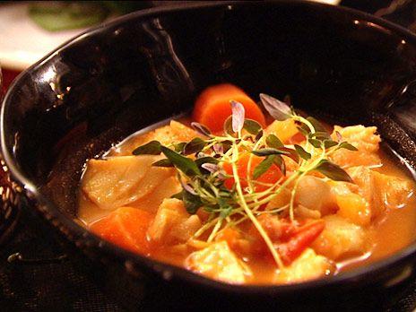 Rimmad torsk med buljongkokta grönsaker | Recept.nu