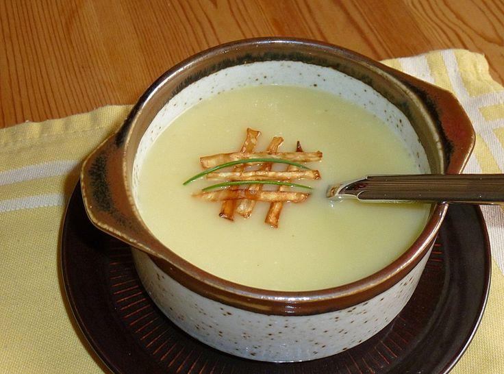 Papas Selleriesuppe, ein schönes Rezept aus der Kategorie Vegetarisch. Bewertungen: 22. Durchschnitt: Ø 3,9.